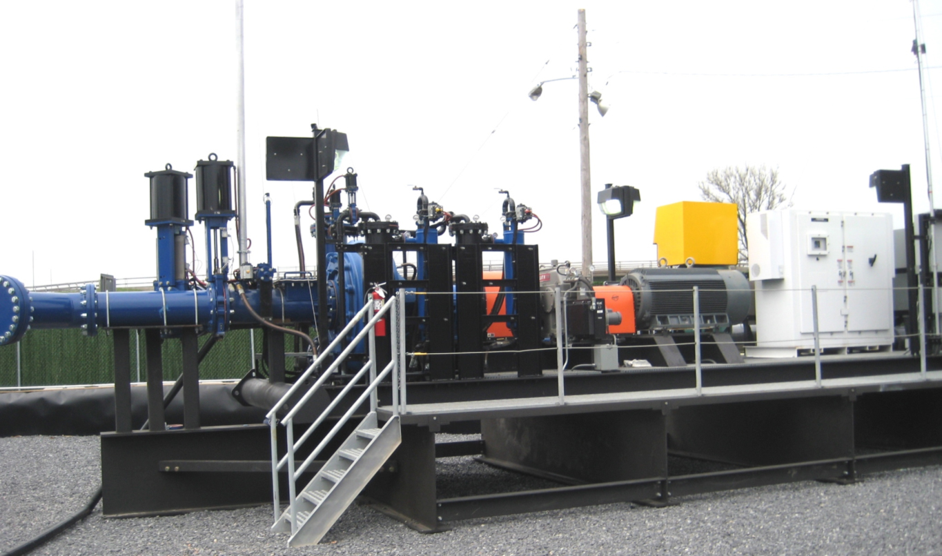 As a dredge moves farther away from its discharge point, production can decrease while the cost-per-ton increases. Adding a booster pump provides benefits of greater production and less equipment wear and tear. Booster pumps may be land- or water-based.